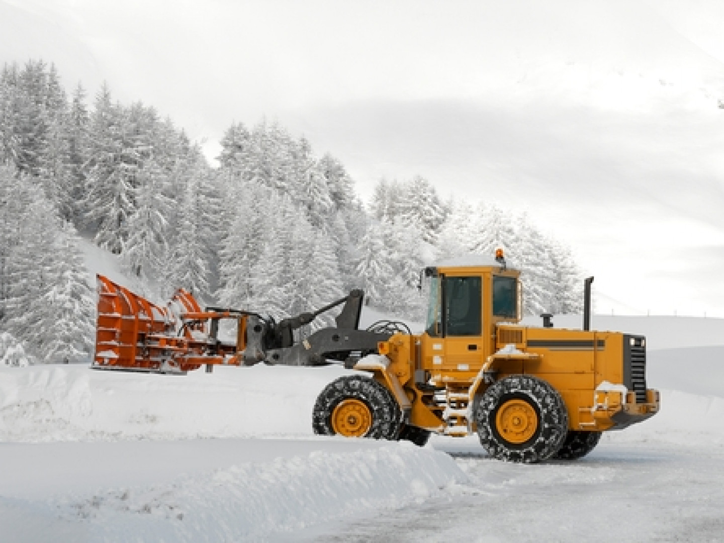 DCJ Specalizes in Commercial Snow Removal in The Warwick, RI Area